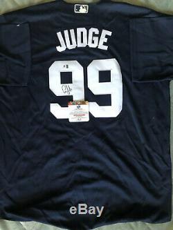 Aaron Judge Yankees Signed Jersey (COA)
